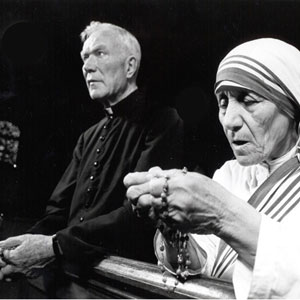 Peyton and Mother Teresa Praying the Rosary