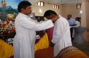Br Balaraju receives the St Joseph Medal