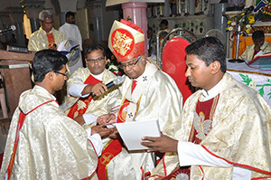 Fr Sahaya Ranjith, CSC, Ordination on November 19, 2016 by Bishop Antony Pappusamy