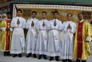New Holy Cross Deacons in Bangladesh
