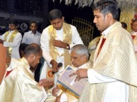Holy Cross Celebrates the First of Five Priestly Ordinations In India in 2018