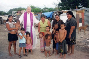 Fr Pete Logsdon, CSC, first pastor of La Luz Parish