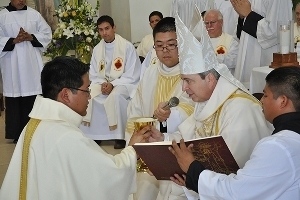 Ordination of Fr Carlos Jacobo, CSC